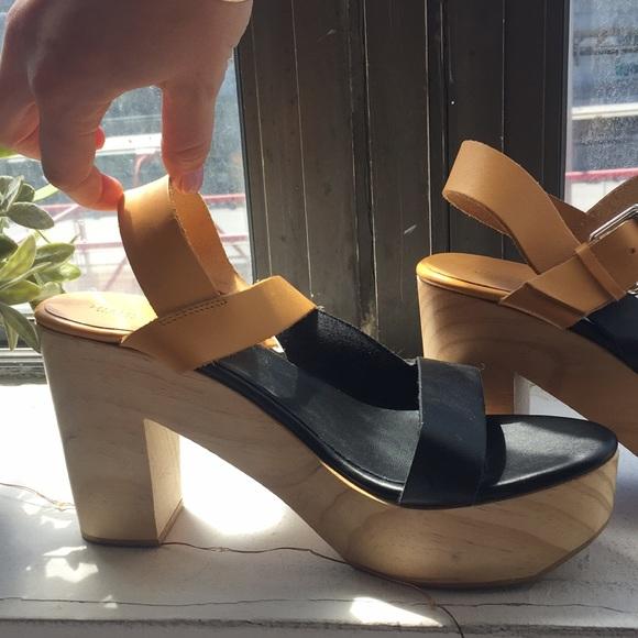3e67666096f9 Wooden Clog Platform Sandals. M 5acb93992ae12f6f1d28b251